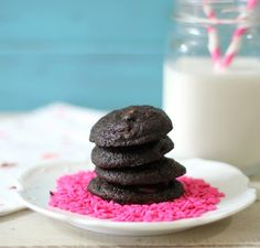Chocolate Brownie Cookies - A super moist, sweet chocolaty cookie made with dark chocolate and has the texture of a cookie but the taste of a brownie.