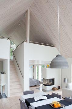 Saaristolaistalo Hollolassa Shed Homes, Cabin Homes, Long House, Cottage Interiors, Tiny House Design, Scandinavian Home, House Layouts, House Goals, Building A House