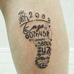 Nomes dos filhos e seu poder (Tatuagens) Names of children and their power (tattoos) Baby Feet Tattoos, Mom Tattoos, Body Art Tattoos, Print Tattoos, Tatoos, Tattoo Kind, Shape Tattoo, Tattoo Motive, Small Tattoos For Guys