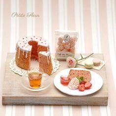 またまたシフォンケーキ バージョンです  #シフォンケーキ #ドールハウス#ハンドメイド#ミニチュアフード #ミニチュア#ミニチュアスイーツ #粘土 #樹脂粘土#shiffoncake #miniature#dollhouse#minithings#miniatureart#miniaturefood#miniaturehamburger#handmade#clay #miniaturesweets #clayfood