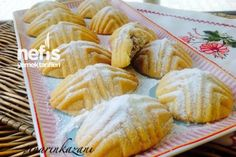 Kerebiç Tarifi Cookie Recipes, Dessert Recipes, Desserts, Comida Armenia, Pasta Cake, Turkish Sweets, Disneyland Food, Greek Cooking, Tea Time Snacks