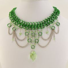 Wow. BEAUTIFUL Chainmaille collar...wish I had something like it for St. Patrick's day