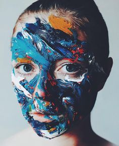 Hyper realistic pain-stacking artwork by Antoine Dutilh @ant1pk #antoinedutilh #dcnart