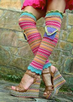 Inspiration picture but what about using yarn left overs and crochet a pair?? with the little pockets of course! ;-) retro