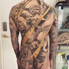 Full front Fujin with full back Raijin - Kunst Tätowierung Mens Body Tattoos, Sleeve Tattoos For Women, Body Art Tattoos, Full Back Tattoos, Full Body Tattoo, Wicked Tattoos, Badass Tattoos, Neck Tattoo For Guys, Tattoos For Guys