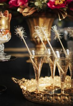 Bubbly bar for a New Year's Eve party Bubbly Bar, Great Gatsby Wedding, The Great Gatsby, Elegant Wedding, Wedding Gold, Wedding Dj, Hair Wedding, Wedding Shoot, Trendy Wedding
