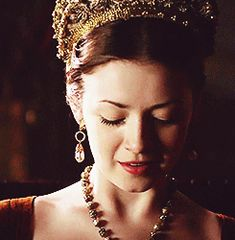 Sarah Bolger as Mary Tudor in The Tudors 2010 Los Tudor, Sarah Bolger, High Fantasy, Mary I Of England, Princesa Elizabeth, Tudor Dress, Tudor Dynasty, Gifs, Royals