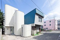 Densityis a minimalist house located inHokkaido, Japan, designed byJun Igarashi. The narrow home is centered around a spiral staircase, and features small nooks and lofts totaling 32 rooms. A small courtyard is carved out in the middle allowing the residents to go outside for relaxation or reading.  http://leibal.com/architecture/density/