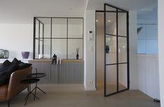 Smeedijzeren deur met glas