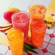 How to Make Non-Alcoholic Summer Drinks! great for those not old enough to drink and those expecting! Party Food And Drinks, Fun Drinks, Yummy Drinks, Healthy Drinks, Mixed Drinks, Summertime Drinks, Refreshing Summer Drinks, Easy Cocktails, Cocktail Drinks