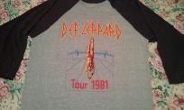 DEF LEPPARD 1981 HIGH 'N' DRY TOUR VINTAGE T-SHIRT 1/4 Sleeve Baseball 80's rock  FREE US SHIPPING!