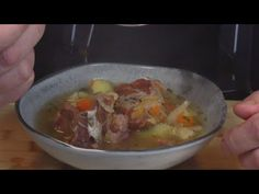 Kwaśnica na wędzonkach idealna na trudne chwile po imprezie / Oddaszfartucha - YouTube Chicken, Meat, Cooking, Youtube, Food, Amazing, Kitchen, Eten, Meals