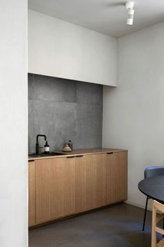 4 Talented Tips AND Tricks: Small Minimalist Bedroom Budget minimalist decor white woods.Minimalist Home Style Apartment Therapy minimalist bedroom interior window.Rustic Minimalist Home Decor. Interior Design Minimalist, Modern Kitchen Design, Interior Design Kitchen, Interior Decorating, Interior Ideas, Kitchen Decor, Interior Plants, Classic Interior, French Interior