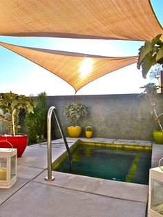 Inspiration deco outdoor : Une mini piscine pour ma terrasse ou mon jardin. Small pool / Terrace pool / Rooftop pool / Via Lejardindeclaire. Plunge pool @Matty Chuah Hotel Lautner in Desert Hot Springs from 354 Days of Sun