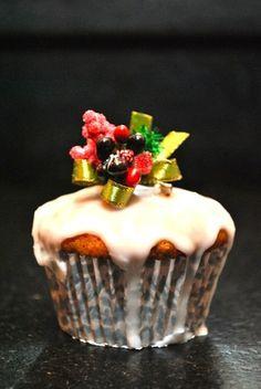 Christmas Cupcakes - Christmas Cupcake Recipe - Photo © Elaine Lemm