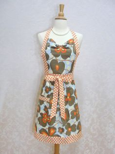 Morning Glory Sweetheart Hostess Apron - (bernicesdesigns, etsy) - perfect for saturday brunch!