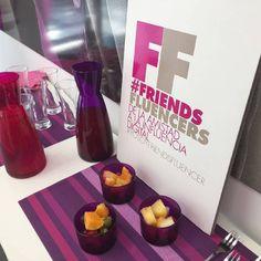 #friendsfluencers 💜💗 presentes en los mejores eventos de ámbito nacional. Hoy hemos estado en @centrosideal #pamplona #yosoyideal #evento #openday #eventoblogger #belleza #beauty #today #influencers #spain