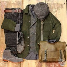 Men's Leather Jackets: How To Choose The One For You. Leather jackets never head out of styl Stylish Men, Men Casual, Style Masculin, Herren Style, Casual Outfits, Fashion Outfits, Fashion Boots, Fashion Rings, Classy Men