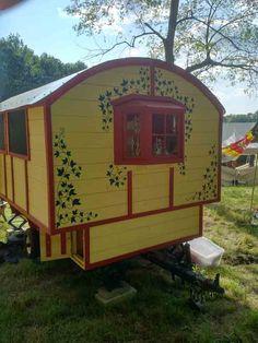 Daphne's Caravans: Magical Gypsy Caravans, guest spaces or retreats Home Made Camper Trailer, Camping Trailer Diy, Camping Glamping, Gypsy Trailer, Gypsy Caravan, Gypsy Wagon, Teardrop Trailer, Homemade Camper, Diy Camper