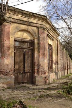 Uribelarrea, Buenos Aires, Argentina                                                                                                                                                      Más Rio Grande, Villa Plan, Old Doors, Old Buildings, South America, My Land, Travel Photos, Countryside, Culture
