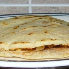 Gorditas are similar to pita pockets but much heartier! Can be stuffed with just about anything! I make them with a mixture of corn masa mix and all-purpose flour. Mexican Dishes, Mexican Food Recipes, Mexican Entrees, Mexican Cooking, Gorditas Recipe Mexican, Masa Harina Recipe, Maseca Recipes, Traditional Food, Food Cakes