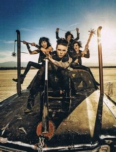 Andy Why So Serious? Lol. Wait.. Where's Ashley? And oh wow Jinxx. You look like you're having the best time ever. Jake too. And CC for that matter hahaha
