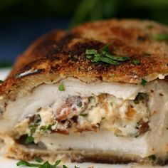 Bist du bereit für Hühnchen mit Bacon-Alfredo-Füllung?