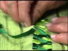 Resultado de imagem para toalhas bordadas com trançado de fitas