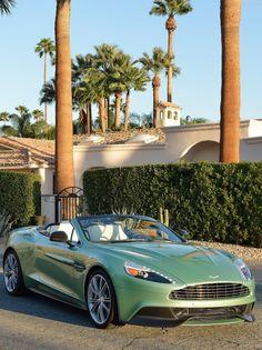 Aston Martin Vanquish Volante (2014)
