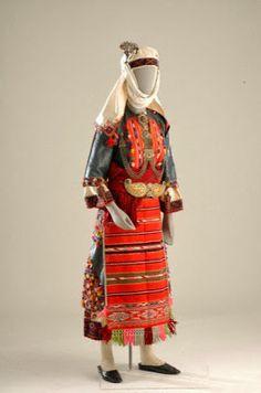 Greek Culture, Folk Costume, Traditional Dresses, Style Inspiration, Wedding Dresses, Albania, Greek Costumes, Clothes, Exploring