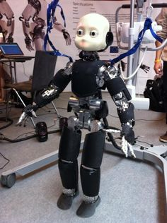 A robot that feels, sees and, in particular, thinks and learns like us. It still seems like science fiction, but if it's up to UT researcher Frank van der Velde, it won't be. In his work he wants to implement the cognitive process of the human brain in robots. The research should lead to the arrival...