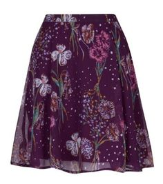With a chic white blouse and nude peeptoe heels, this cute floral skirt is perfect for any special occasions you've got lined up.Feminine fitted waistFlared design