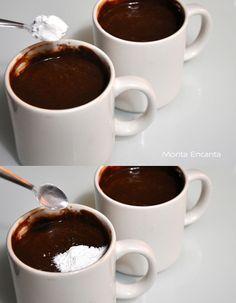 bolo-de-chocolate-de-caneca13 Churros, Chocolate Fondue, Food And Drink, Cookies, Tableware, Cake, Desserts, Kitchen, Top