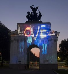 Maggies Night Hike 2008 Installation - Love - Interactive projection lighting, Wellington Arch