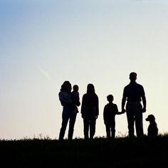 Consejos para mantener unida a la familia | eHow en Español
