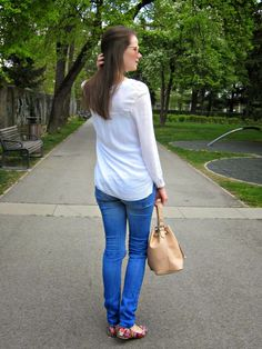 Stiletto in the Cloud: White Blouse & Bucket Bag