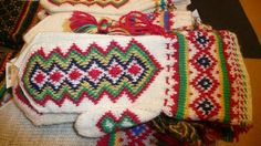 Lutheran Church apologises to Sami people Knitted Mittens Pattern, Knit Mittens, Mitten Gloves, Swedish Vikings, Scandinavian Folk Art, Fingerless Mitts, Lutheran, Knitting Projects, Sewing Crafts