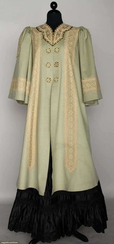 Edwardian Blue Wool Coat In Light Blue With Chemical Lace Trim, Wide Bell Sleeves     c.1908
