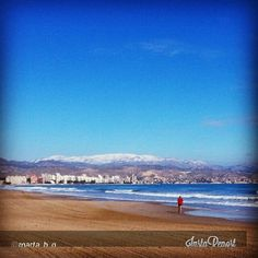 #CostaBlanca mar y montaña a un paso. Foto de @marta_b_g Buenos días.