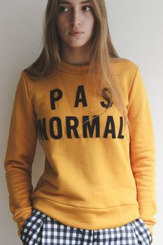 TypoTees - a collection of typography on t-shirts: Pas Normal