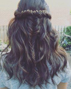 Wedding hair #bestdayever #bohemian #luckygerenlien #fishtale #braid #hairdo