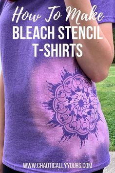 Make your own one of a kind T-shirt with this quick, easy and inexpensive bleach stencil method. Bleach Shirt Diy, Diy Tie Dye Shirts, T Shirt Diy, Diy Bleached Shirt, Diy Clothes Bleach, Wish Clothing, Clothing Hacks, Clothing Websites, Bleaching Clothes
