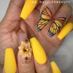 Spring butterfly wing nail art on yellow matte coffin nails springnails springnailart springnaildesigns yellownails mattenails coffinnails butterflynailart Fancy Nails, Love Nails, My Nails, Gorgeous Nails, Coffin Nails Matte, Cute Acrylic Nails, Disney Acrylic Nails, Coffin Acrylics, Stylish Nails