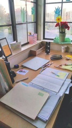 ||| school, university, college, student, study, desk, work space, office, notes