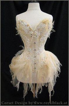 me gusta el estilo hada de este corset