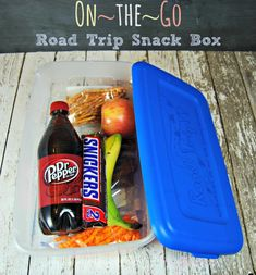 Road Trip Snack Box - Refueling with SNICKERS . and maybe root beer instead of Dr Pepper Car Travel, Summer Travel, Travel With Kids, Travel Kits, Summer Food, Road Trip Snacks, Travel Snacks, Car Snacks, Sports Snacks