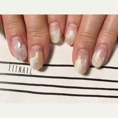 ◽️⬜️▫️◻️⚪️⬜️◻️⚪️ #nail#art#nailart#ネイル#ネイルアート#nuance#white#silver#gold#cool#マットネイル#nailsalon#ネイルサロン#表参道#マットネイル111#white111#nuance111 (111nail)