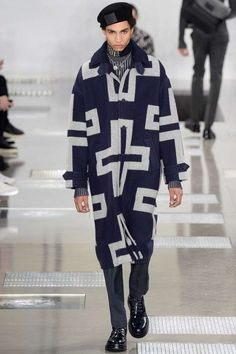 Male Fashion Trends: Louis Vuitton Fall/Winter 2016/17 - Paris Fashion Week