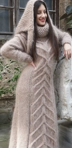 Girls Sweaters, Long Sweaters, Gros Pull Mohair, Fur Fashion, Womens Fashion, Extreme Knitting, Angora Sweater, Sweater Outfits, Dream Dress