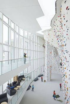 #School Bouldering And #Climbing #Centre - Picture gallery #architecture #interiordesign #sport #facility
